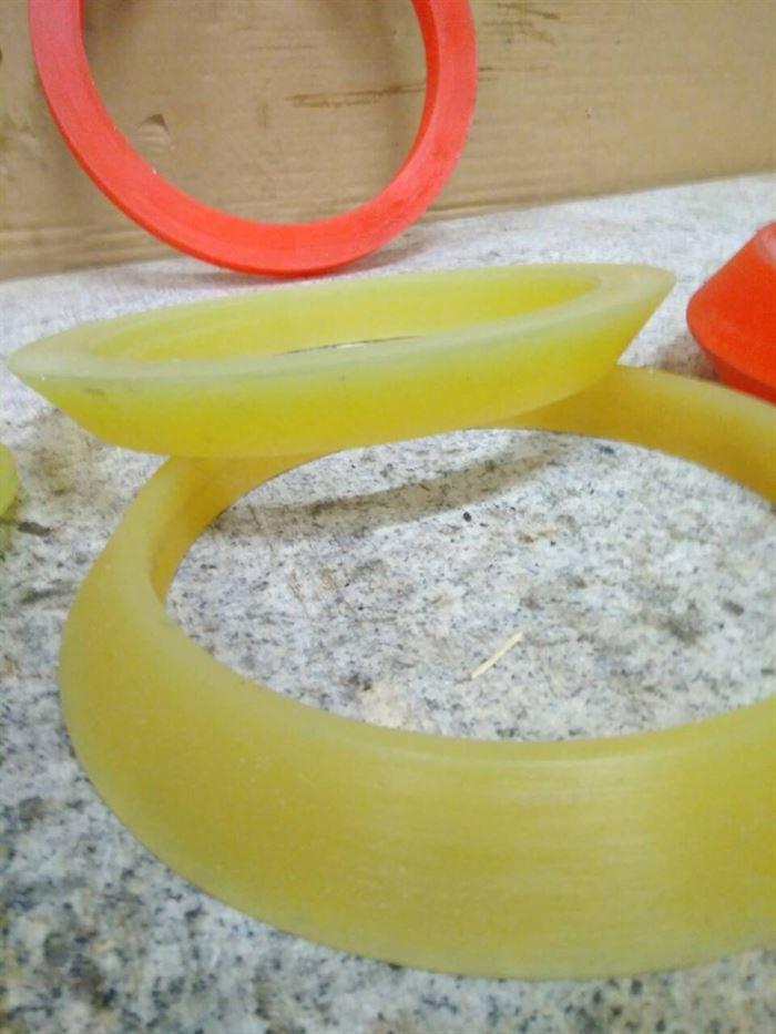 Чистящие и направляющие диски для очистных полиуретановых поршней 3