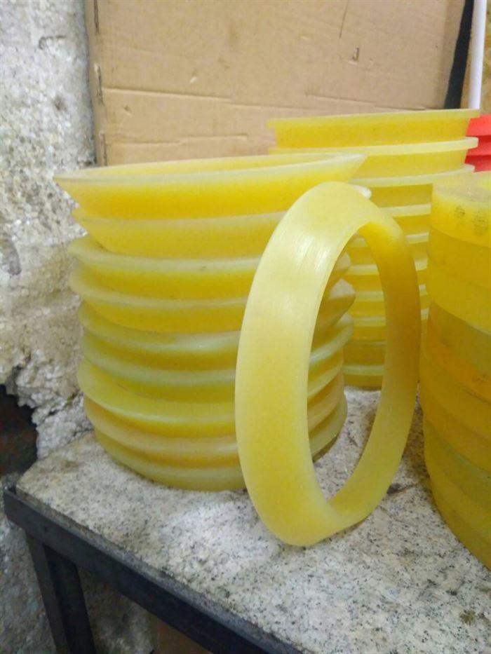 Чистящие и направляющие диски для очистных полиуретановых поршней 4